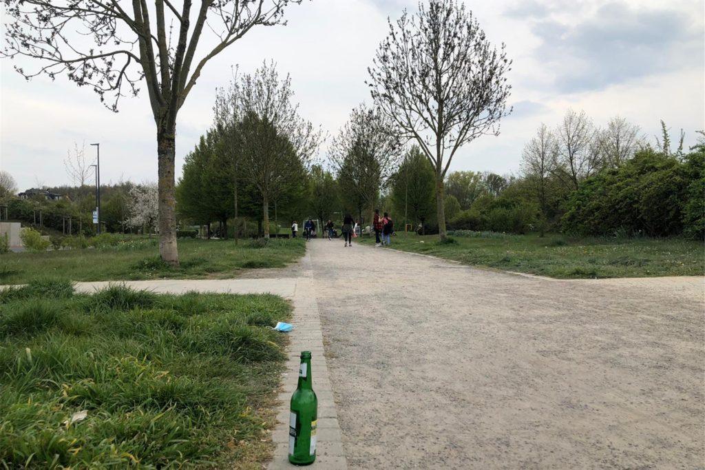 Der Park der Generationen in Lütgendortmund ist nicht unsagbar dreckig, aber auch nicht auffallend sauber.