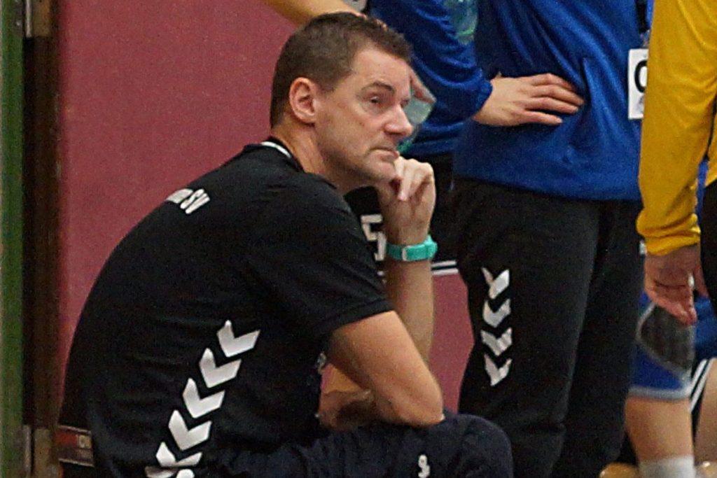 Trainer Kai Harbach hat sich extra zum Trainingsauftakt bei einem Sportarzt über einen optimalen Start informiert.