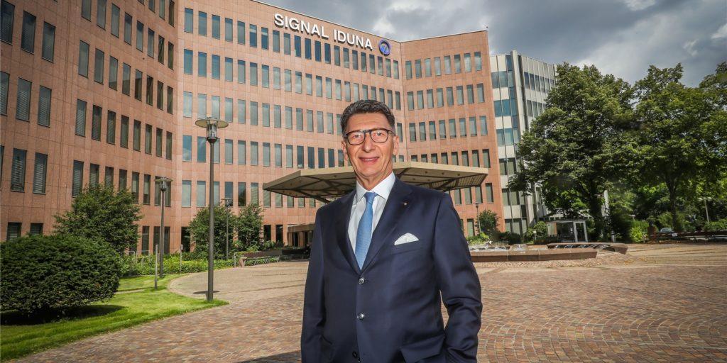 Signal-Iduna-Chef Ulrich Leitermann befindet sich auch in der Corona-Pandemie mit der Dortmunder Versicherungsgruppe weiter auf Wachstumskurs. 2020 wurde erstmals Beitragseinnahmen von über 6 Milliarden Euro erzielt.