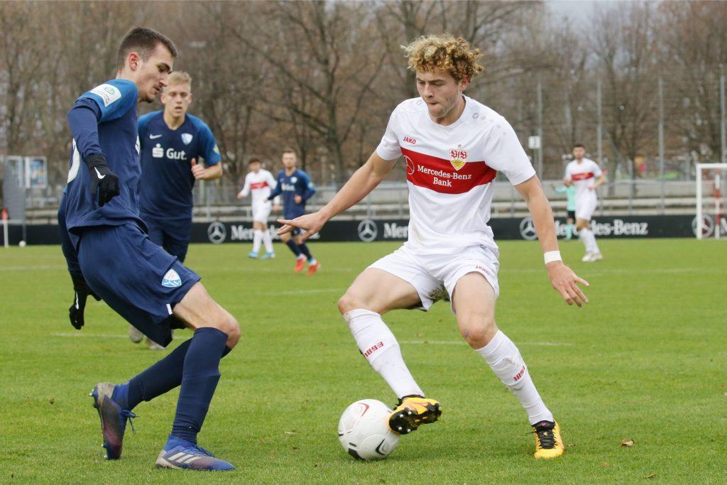 Kilian Heisterkamp (l.) hier in einem DFB-Pokalspiel gegen den VfB Stuttgart, verteidigt künftig für die SpVgg Vreden.
