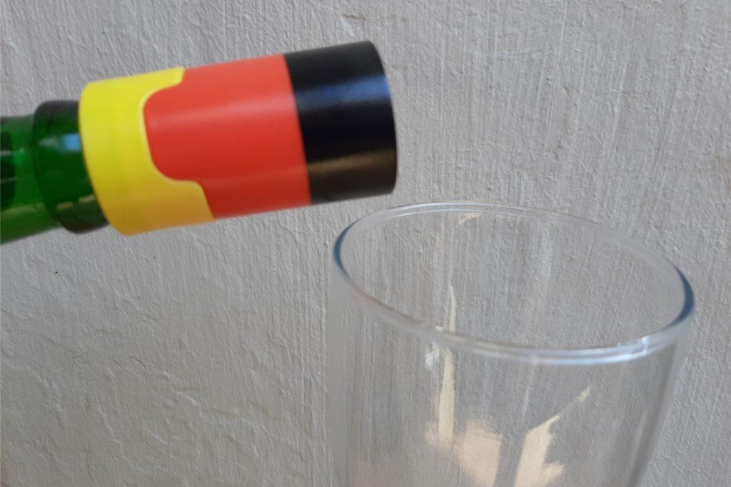 Mit diesem Flaschenaufsatz soll das Bier laut Verpackung wie frisch gezapft schmecken.