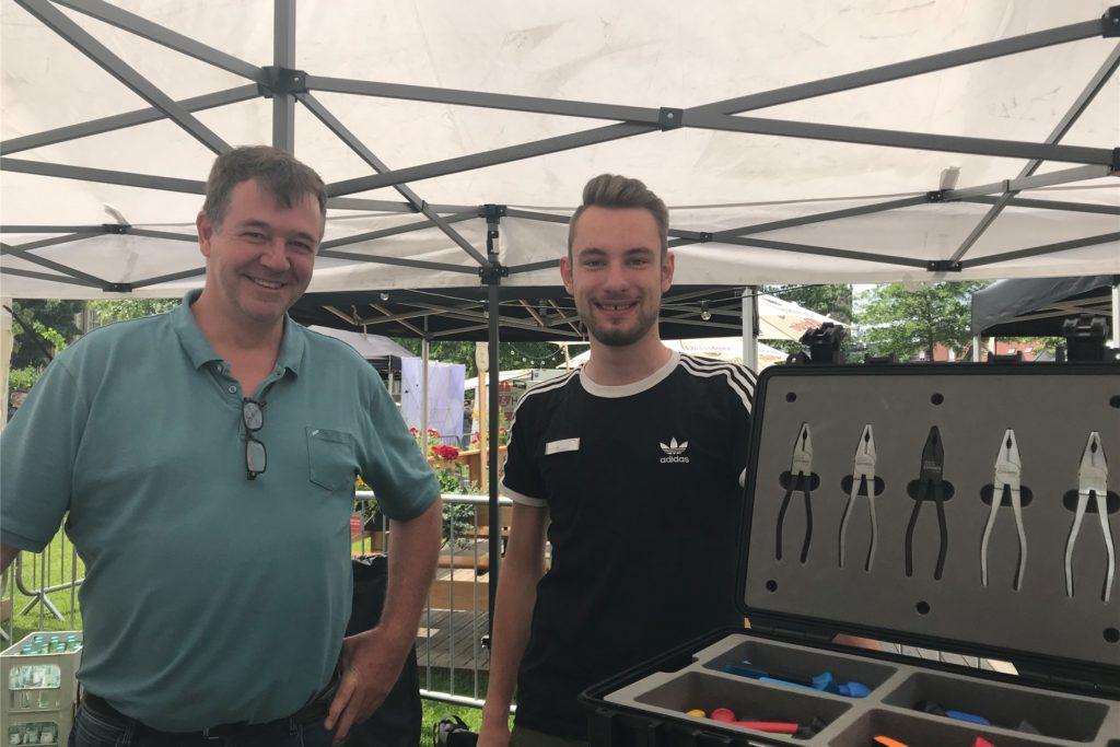 Michael Graf und sein Auszubildender Sven Wensing haben viel gute Gespräche mit jungen Leuten geführt.