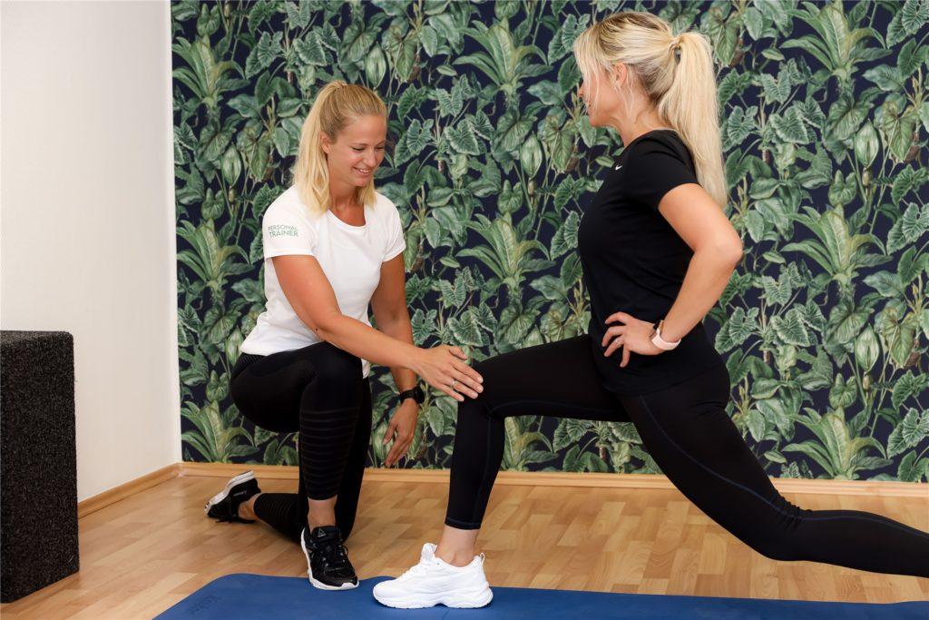 In ihrem neuen Studio verhilft Valerie Peine Müttern dazu, wieder fit zu werden.