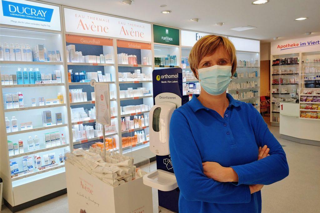Nach anfänglichen Problemen lief die Ausstellung des digitalen Impfnachweises auch in der Apotheke im Viertel von Judith Pollmann rund.