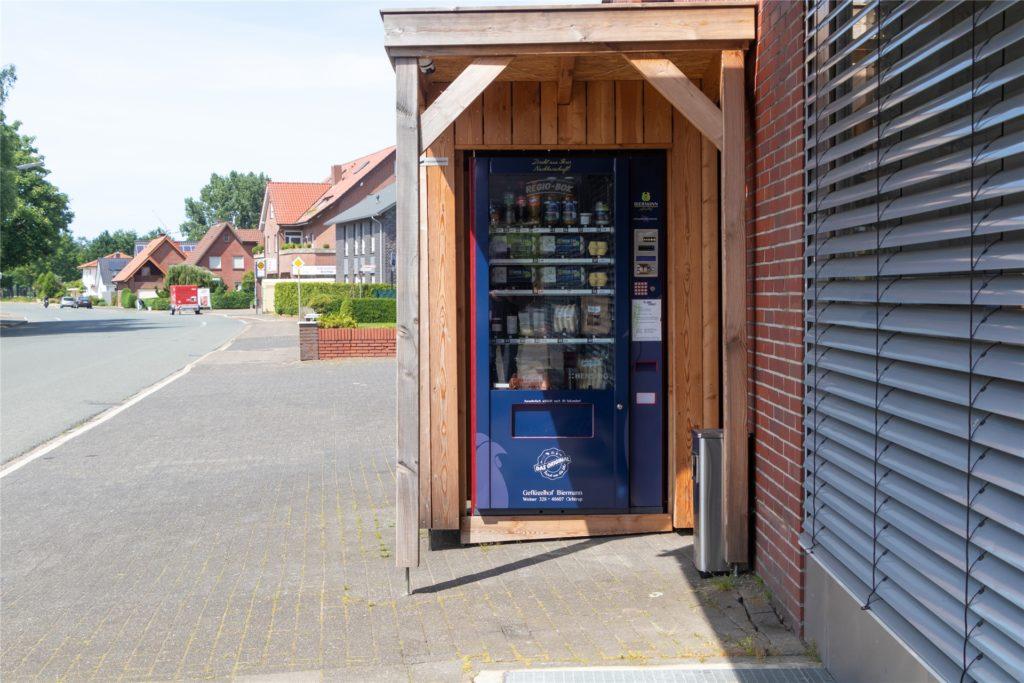 In Nienborg steht die Regio-Box an der Eper Straße und direkt vor der Tierarztpraxis Becker.