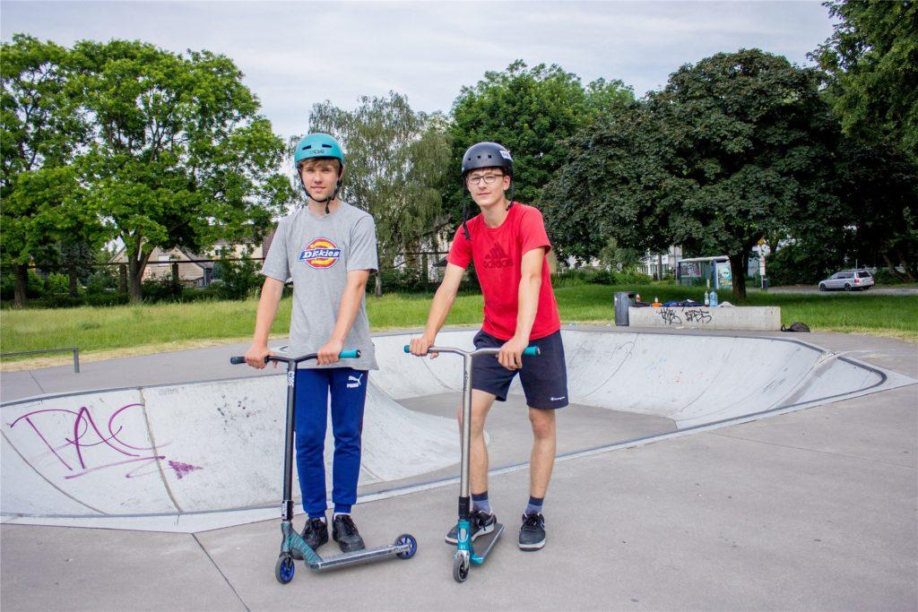 """Die 15-jährigen Jan und Rick sind viel """"Flat"""" gefahren."""