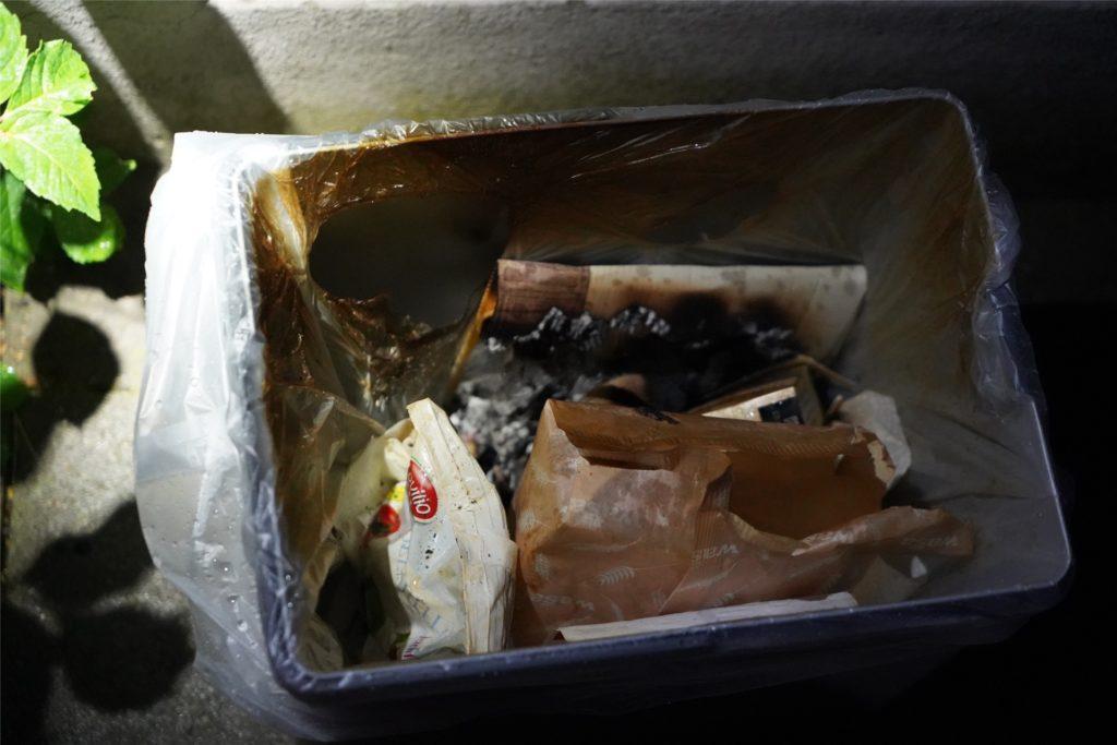 Der Übeltäter war am Ende dieser Mülleimer.
