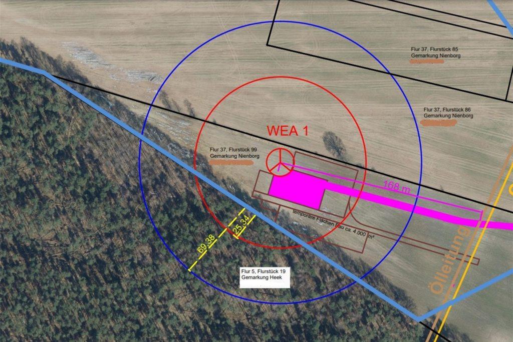 Die geplante Windkraftanlage in der Bauerschaft Wichum würde mit ihren Rotoren den angrenzenden Wald überstreichen.
