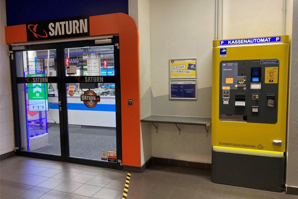 Auch der Kassenautomat auf der Saturn-Etage soll am Freitag (19.6.) außer Betrieb gewesen sein.