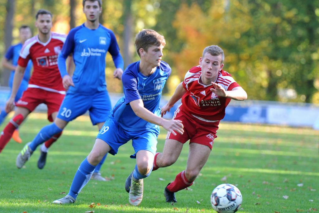 René Böing (r.) wechselt von Eintracht Ahaus zum SV Gescher.