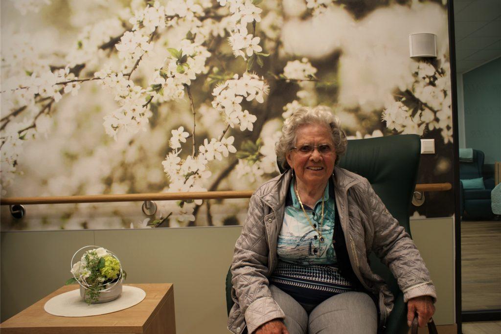 Hildegard Nadke besucht schon länger die Tagespflege der AWO und fühlt sich am neuen Standort an der Mergelteichstraße schon recht wohl, wie sie sagt.