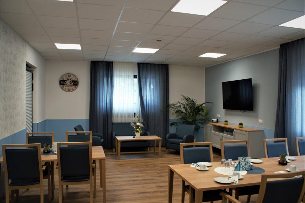 Jeder Raum in der Tagespflege hat ein eigenes Farbschema erhalten. Das erleichtert den Senioren unter anderem die Orientierung.