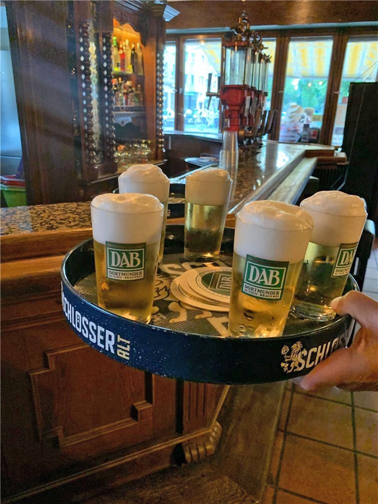 Wird im Perpendikel ausgeschenkt: DAB-Bier und das Bergmanns Bier.