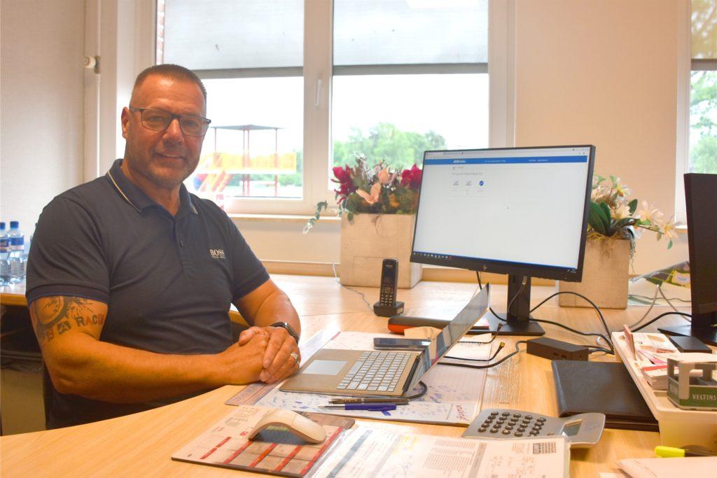 Rob Steverink (57), kaufmännischer Geschäftsführer bei Ter Huurne, ist den Spagat zwischen den unterschiedlichen Gesetzen und Regelungen schon gewohnt. Die Kunden würden sie bisher gut annehmen, sagt er.