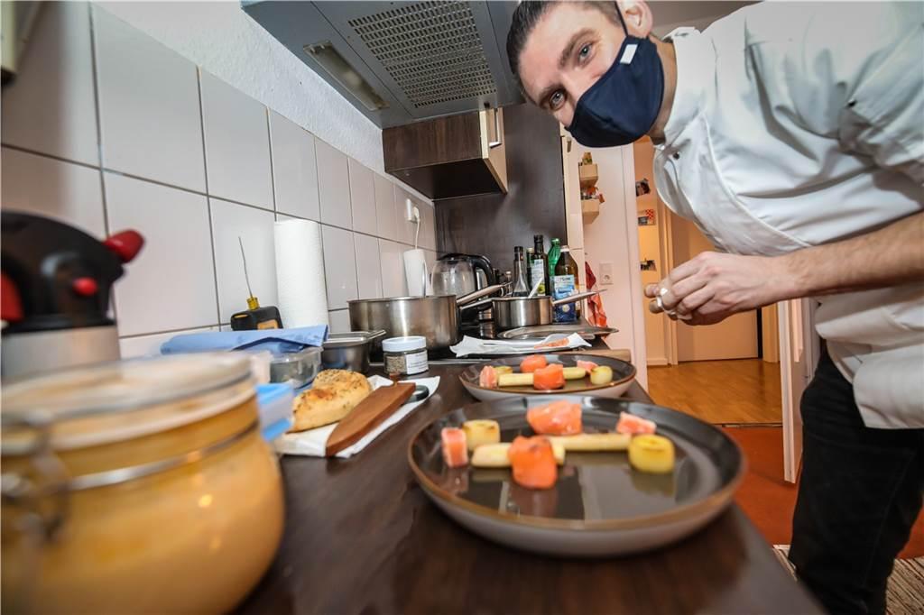 Die Leidenschaft und der Spaß beim Kochen war Tobias Filthaut sofort anzumerken.