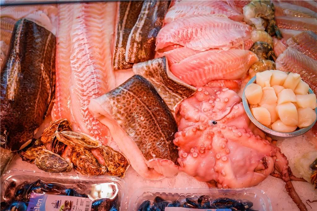 Von Austern über Rotbarsch bis Jakobsmuscheln hat das Tevil´s Fischwerk noch viel mehr im Angebot.