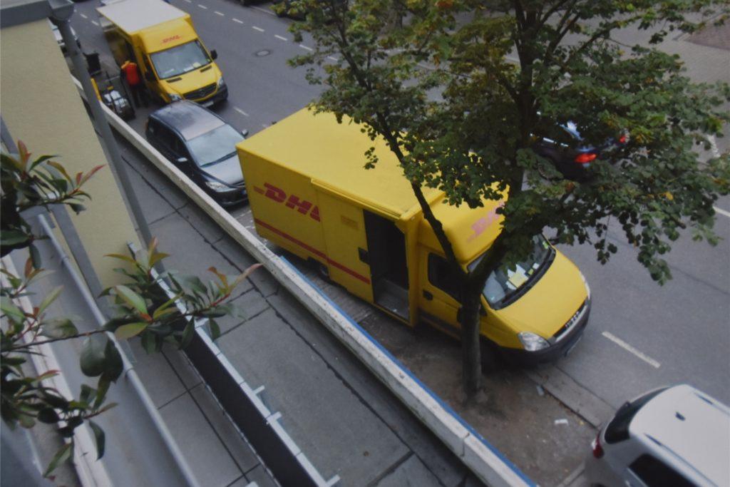 Die Parkplätze vor dem Haus an der Alten Münsterstraße 10 reichen oft nicht aus.