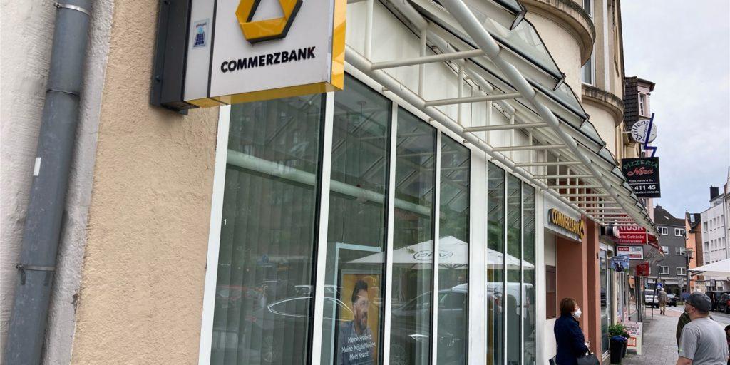 Hat nicht mehr lange auf: die Commerzbank-Filiale am Marktplatz in Castrop.