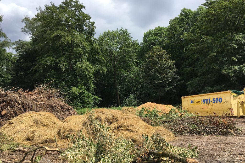 Auch jetzt schon dient die Fläche zur Lagerung von Grünschnitt und Material.
