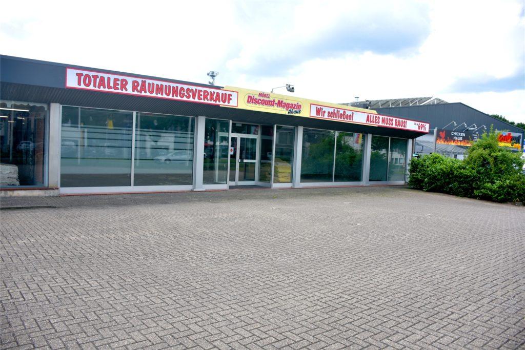 Der ehemalige Möbelmarkt an der Schorlemerstraße muss grundlegend saniert und umgebaut werden. Dann soll dort Zweirad Kestermann mit einem komplett neuen Ladenkonzept eröffnen.