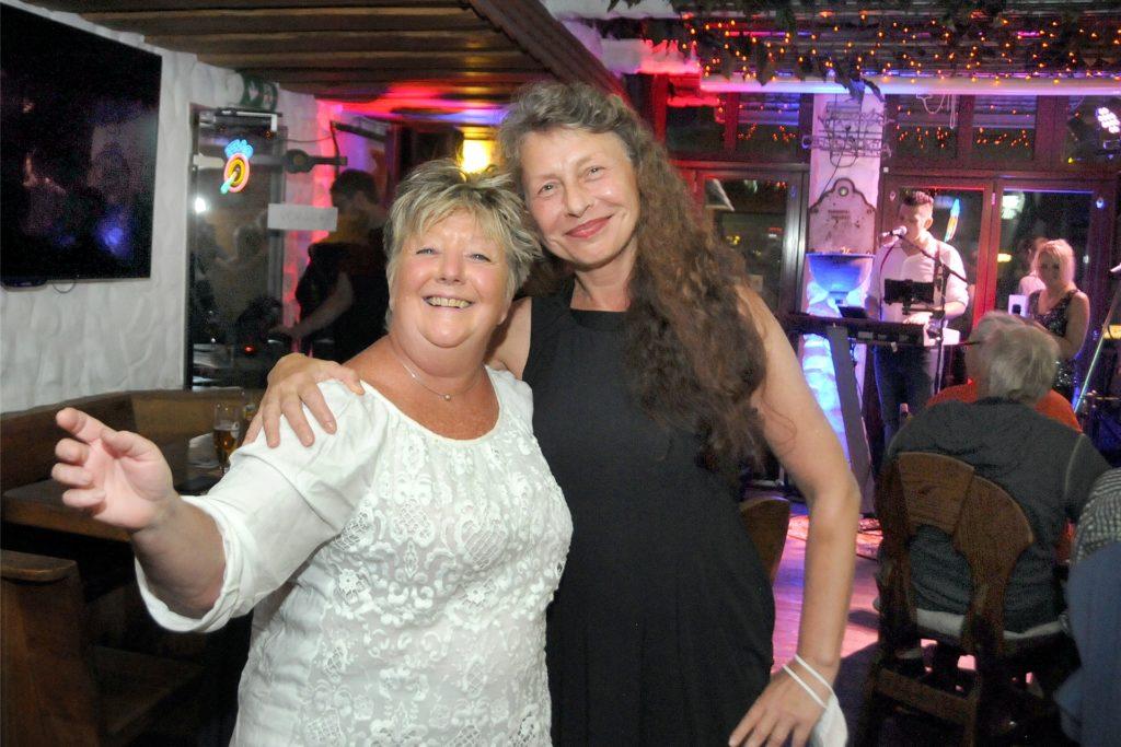 Die Rhythmen von Lueeza & Band brachten einige Gäste in der Keule zum Tanzen.