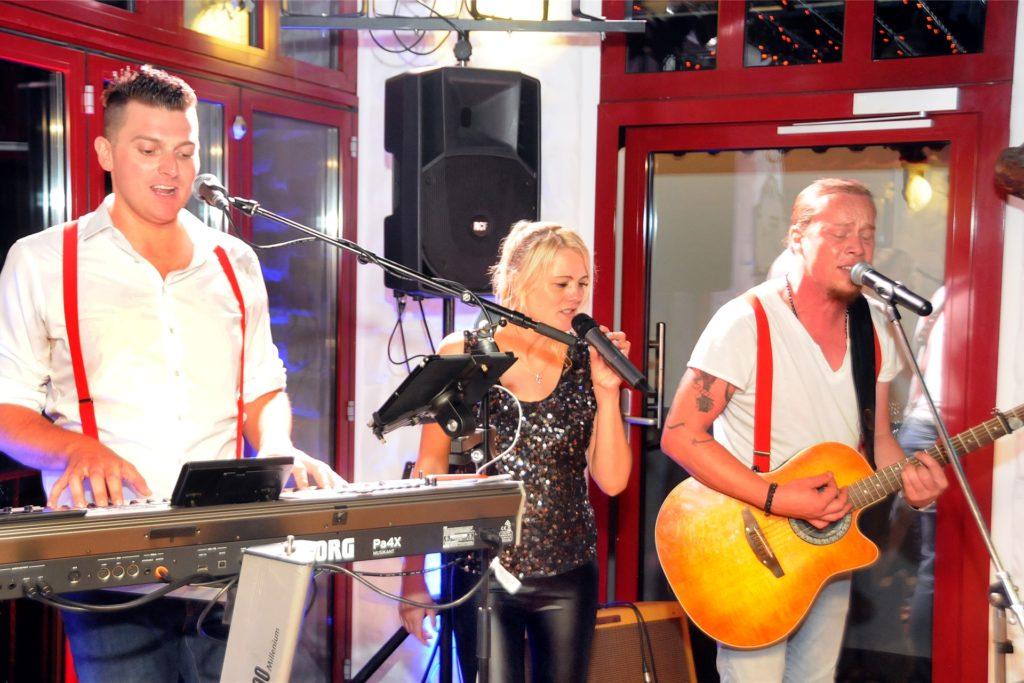 """""""Lueeza & Band"""