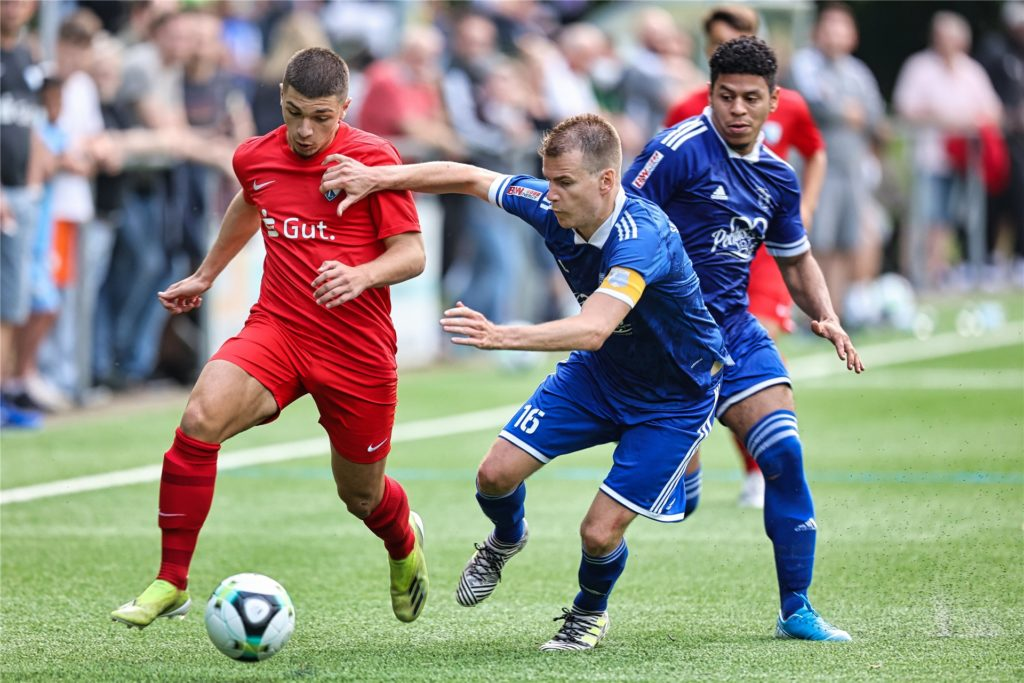 Wackers Kapitän Moritz Budde hat vor dem Top-Spiel gegen Bövinghausen gesagt, von wem er glaubt, dass er Meister wird.