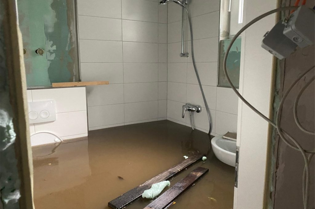 Die noch nicht ganz fertig sanierten Waschräume im Vereinsheim sind der Flut zum Opfer gefallen.
