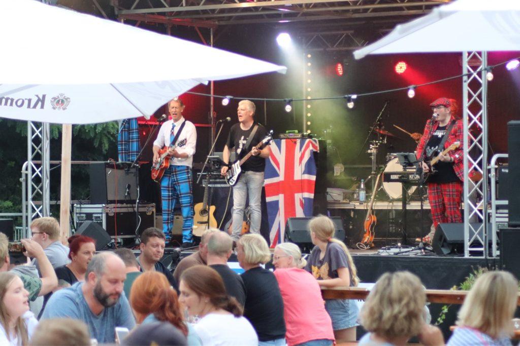 Die enorme Spendenbereitschaft, so auch beim Konzert der Gruppe Kaiserkeller im Bahn-Biergarten, ist eine große Wertschätzung für die Organisatoren des DJK-Ferienlagers.