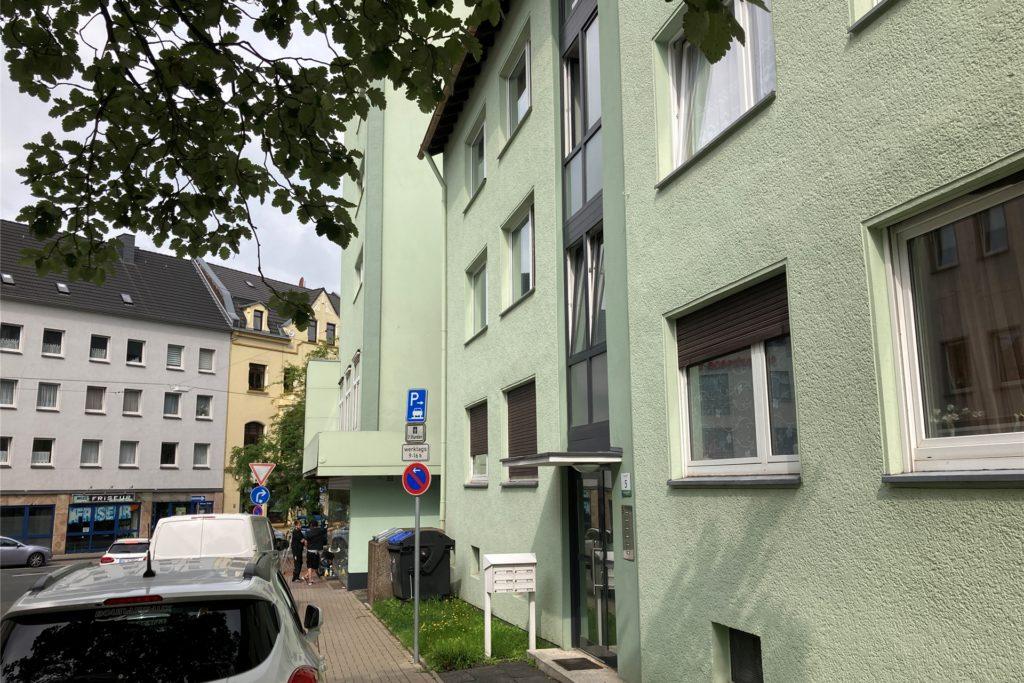 Auch der Häuserkomplex an der Ecke Dortmunder Straße/Bennertor gehört offenbar zum Bestand des Düsseldorfer Wohnungsunternehmens Belvona.