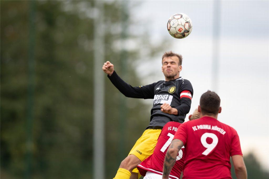 Toralf Streppel musste am Sonntag plötzlich an die Schiedsrichter-Pfeife.