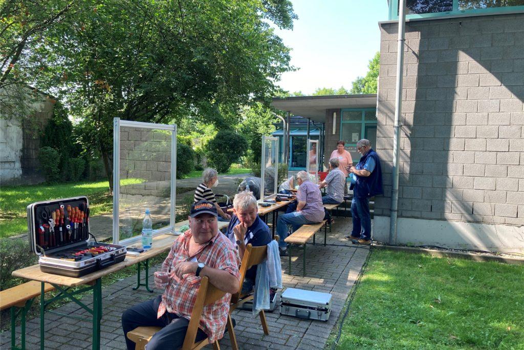 Das erste Repair Cafe des Jahres fand an der frischen Luft statt.