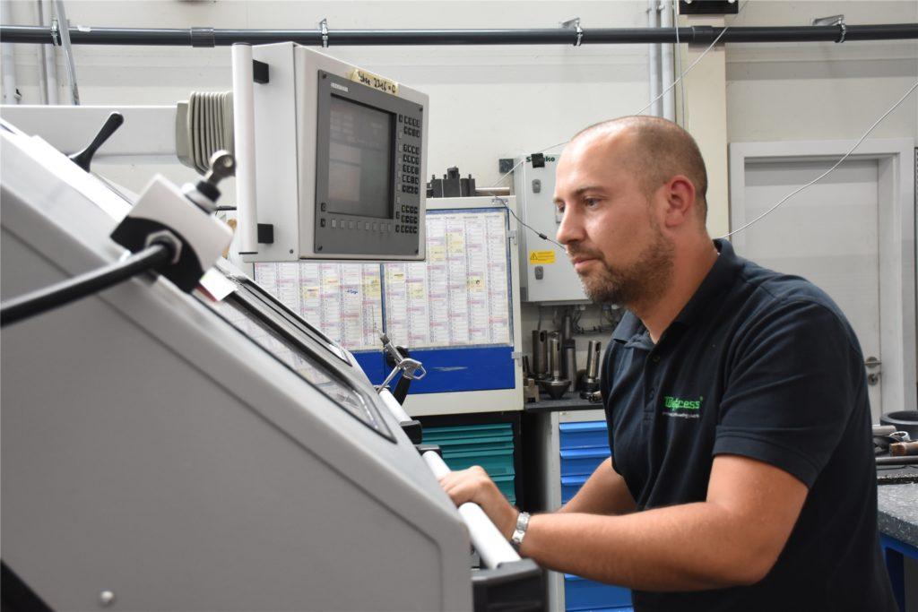 Die Mitarbeiter von Wefapress arbeiten zurzeit in einem Schichtbetrieb: eine Woche arbeiten, eine Woche frei.