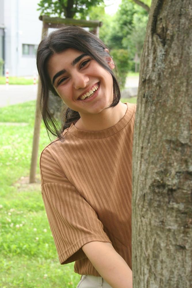 Freud, Montessori, Erikson: Der Pädagogik-Leistungskurs hat die Weichen gestellt. Amina will Erziehungswissenschaften studieren und sich später für UNICEF um traumatisierte Flüchtlingskinder kümmern.