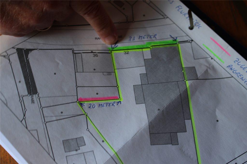 Wie kann es gerecht sein, für eine Grundstücksgrenze (rote Linie) Straßenreinigungsgebühren zu zahlen, die gar nicht gereinigt wird?