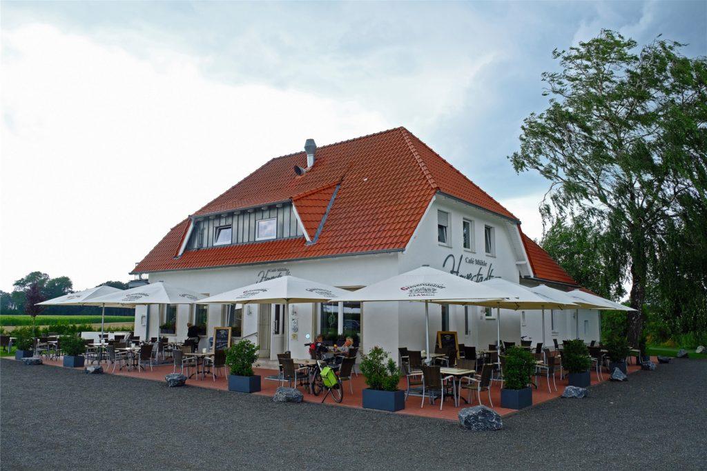 Das Café Mühle Hovestadt in Heek-Ahle bietet Platz für 140 Gäste auf der großen Terrasse.