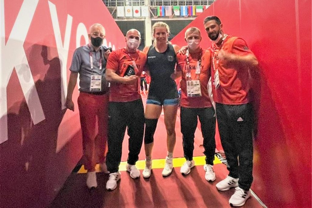 Das Foto mit Aline Rotter-Focken ist nach dem Einzug ins Finale entstanden. Links der Dortmunder Karl-Martin Dittmann.