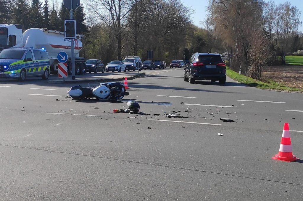 Auf der Sythener Straße kollidierte Anfang April ein Motorradfahrer mit einem Pkw und wurde dabei schwer verletzt.
