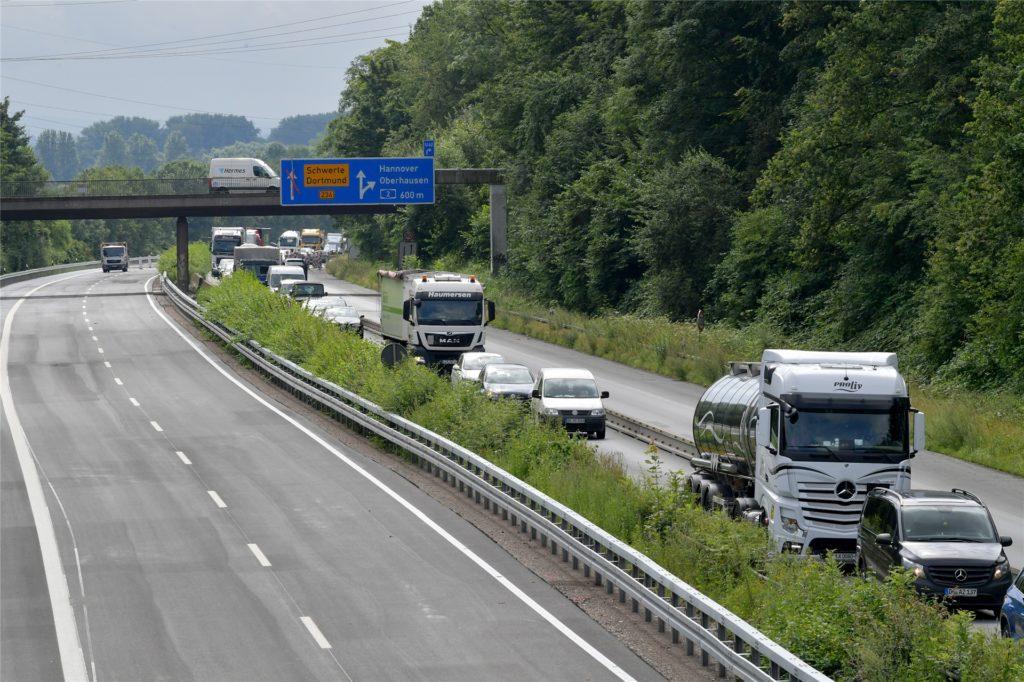 Die Fahrbahnsanierung der B236 Richtung Lünen ist fast abgeschlossen.