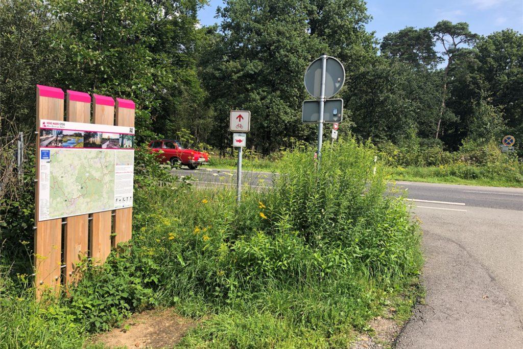 Unter anderem am Rhader Weg, wo auch der neue Hohe Mark Steig verläuft, soll eine Querungshilfe gebaut werden.