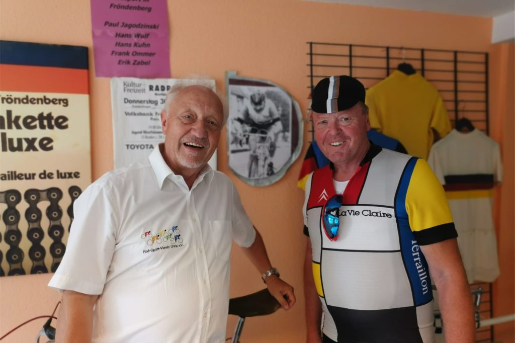 Hans Kuhn (Rennradmuseum) und Jörg Zweigel (ehemaliger 1 Vorsitzender des RSV Lippe 23 Lünen).
