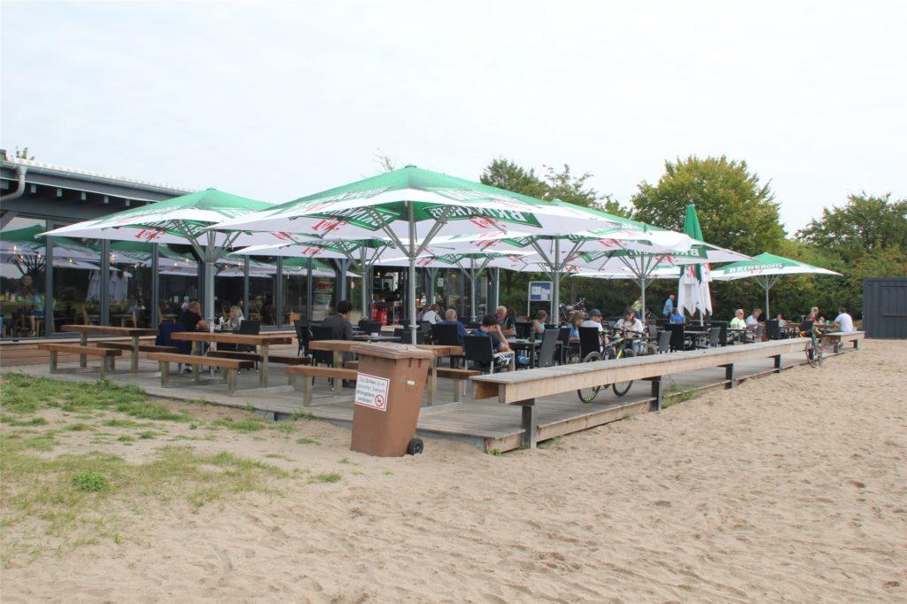 Auch das Seepark-Cafe hatte am Samstag wieder regen Zulauf.