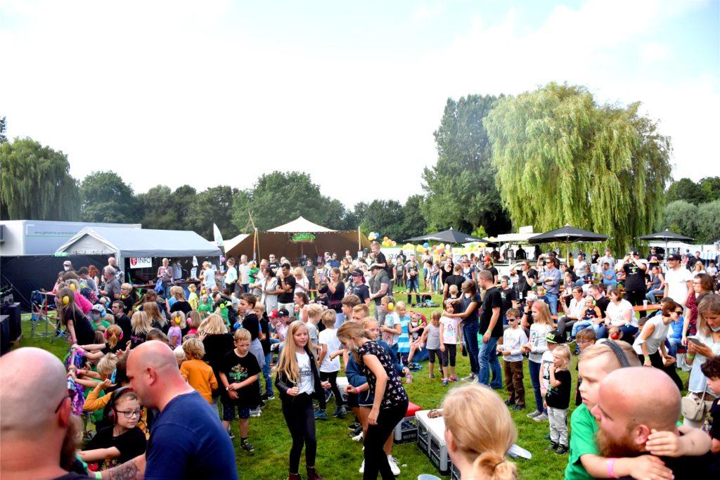 Über 300 Besucher haben am Sonntagmittag vor der Bühne im Aquahaus gefeiert. Insgesamt war die Resonanz auf die drei Konzerttage aber eher durchwachsen.