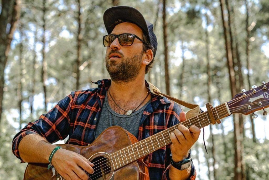 """JPson, der südafrikanische Sänger mit Schweizer Wurzeln, wird mit seinem """"Fresh Folk"""