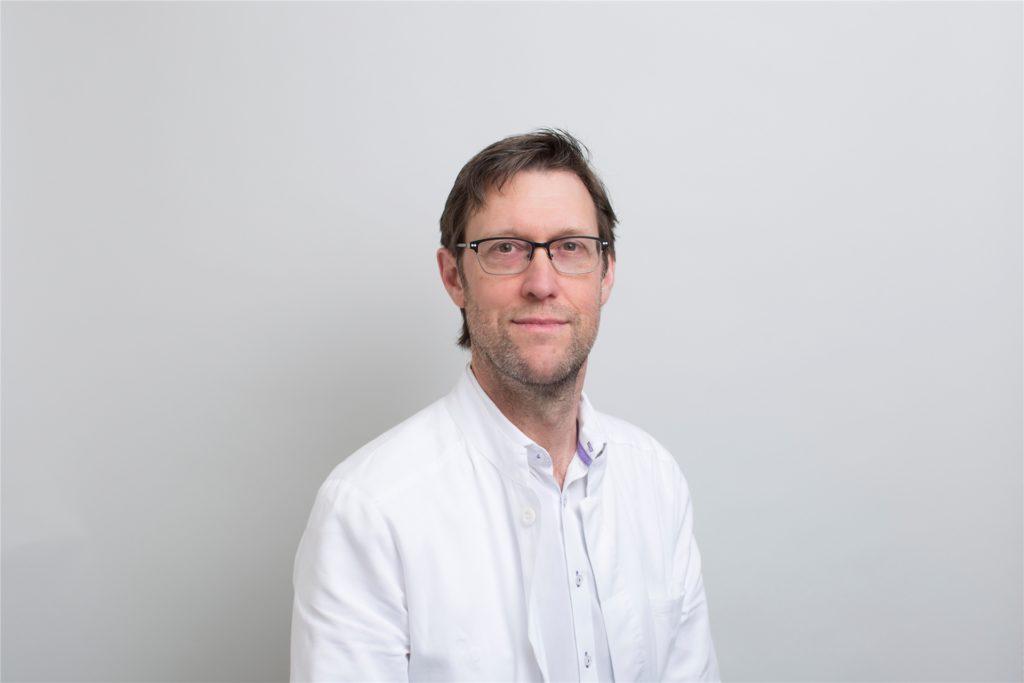 Dr. Michael Hartmann (58) ist Chefarzt der Frauenklinik am Marienkrankenhaus Schwerte.