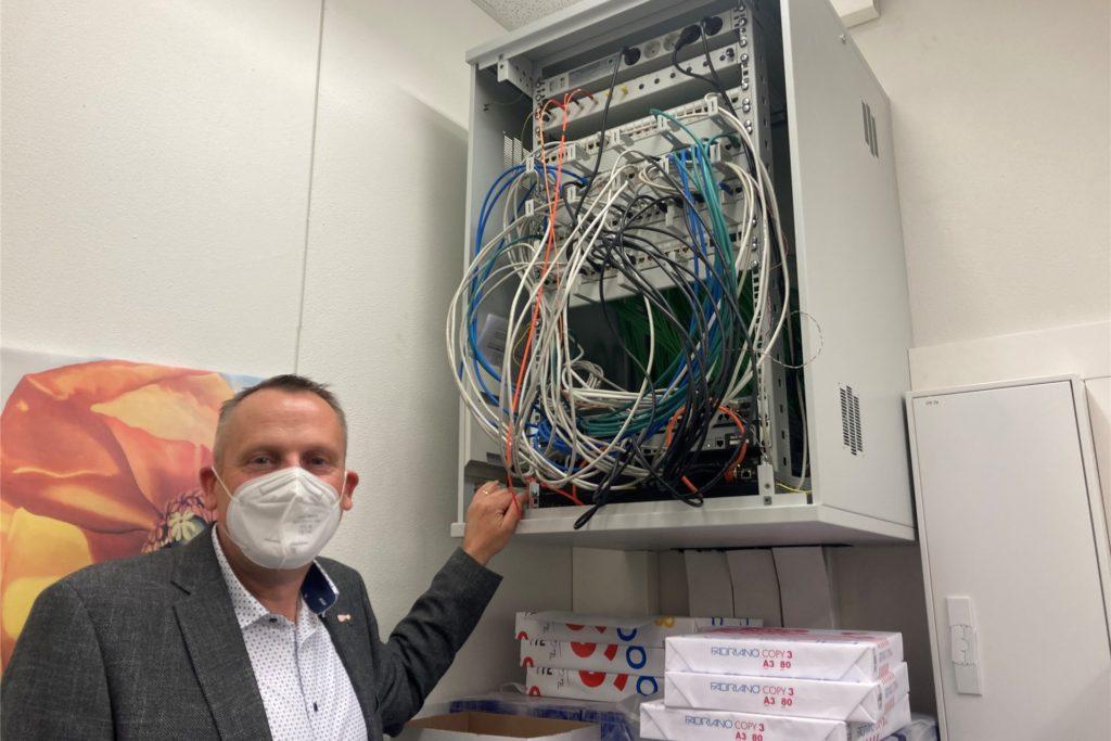 In den Ferien wurden am AFG 4700 Meter Datenkabel verlegt.