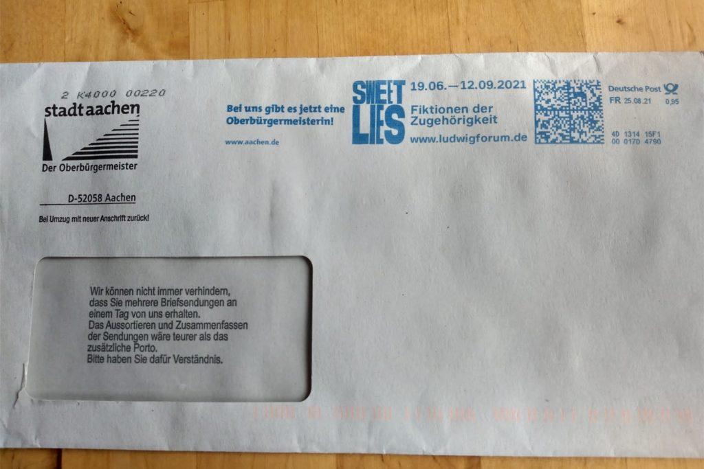 Die Stadt Aachen verschickt an Briefwähler Kompaktbriefe, die nur 95 Cent Porto kosten.