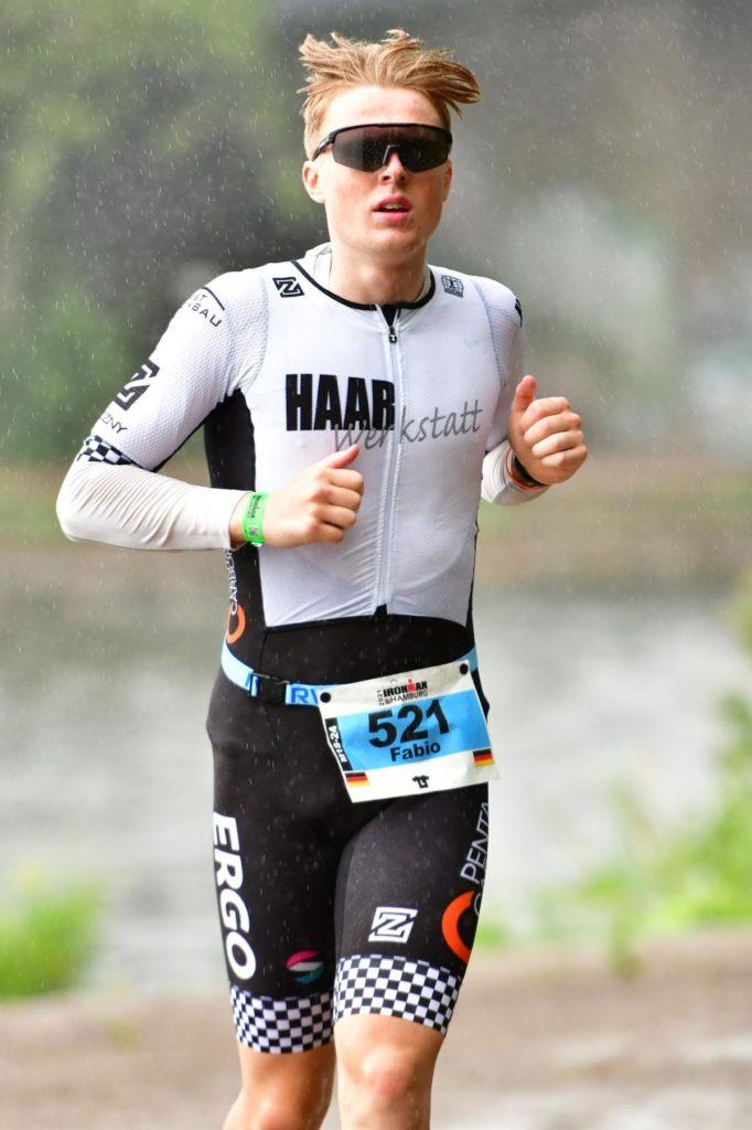 Nach etlichen Stunden im Wasser und auf dem Rad stand für den Halterner Fabio Zadrozny als letztes auch noch ein Marathon an.