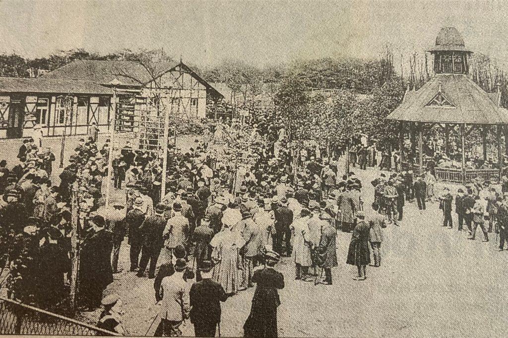 Schon an der alten Rennbahn an der Buschmühle war der Andrang immens.