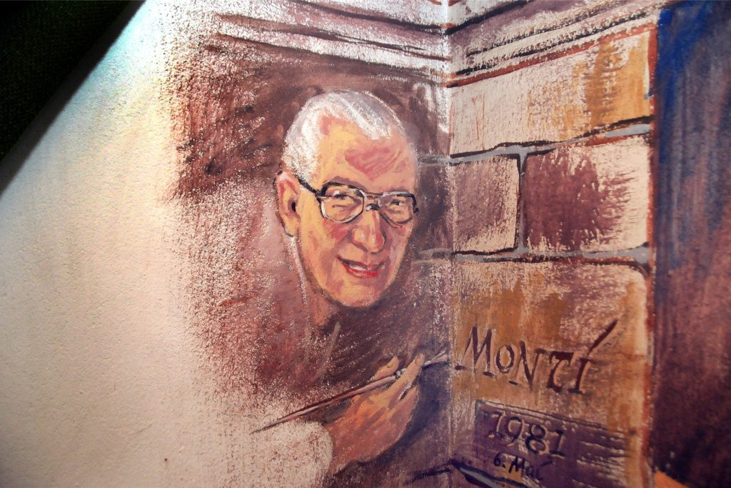 """Einen großen privaten Partykeller im Schwerter Norden hat Ernst Montenbruck rundherum ausgemalt. En einer Ecke verewigte sich """"Monti"""" per Selbstporträt."""